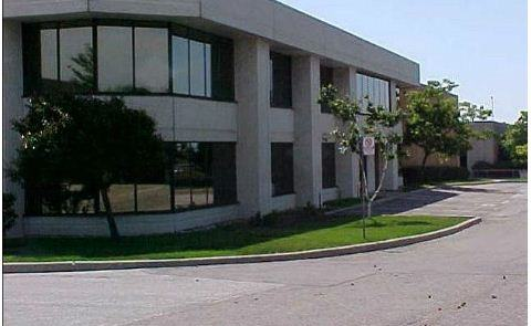 low-rise office building in mississauga after window cleaning services