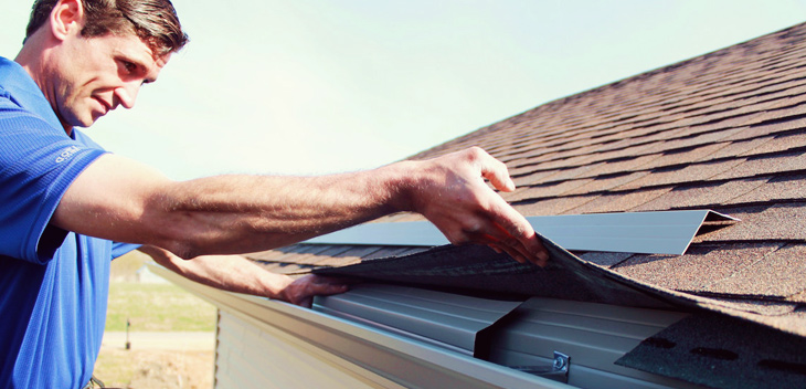 eavestrough repair technician repair gutter and installing gutter apron