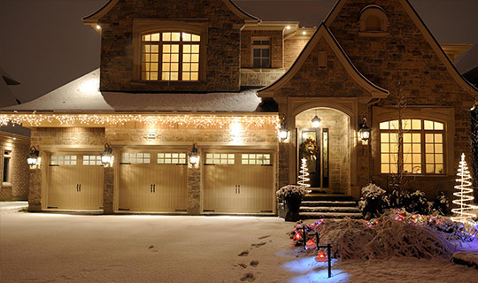 beatiful markham home during the winter after the installation of christmas lights