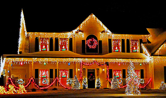 home in Richmond Hill after receiving christmas light installation services from NICK'S