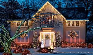 home in thornhill after christmas light installation service